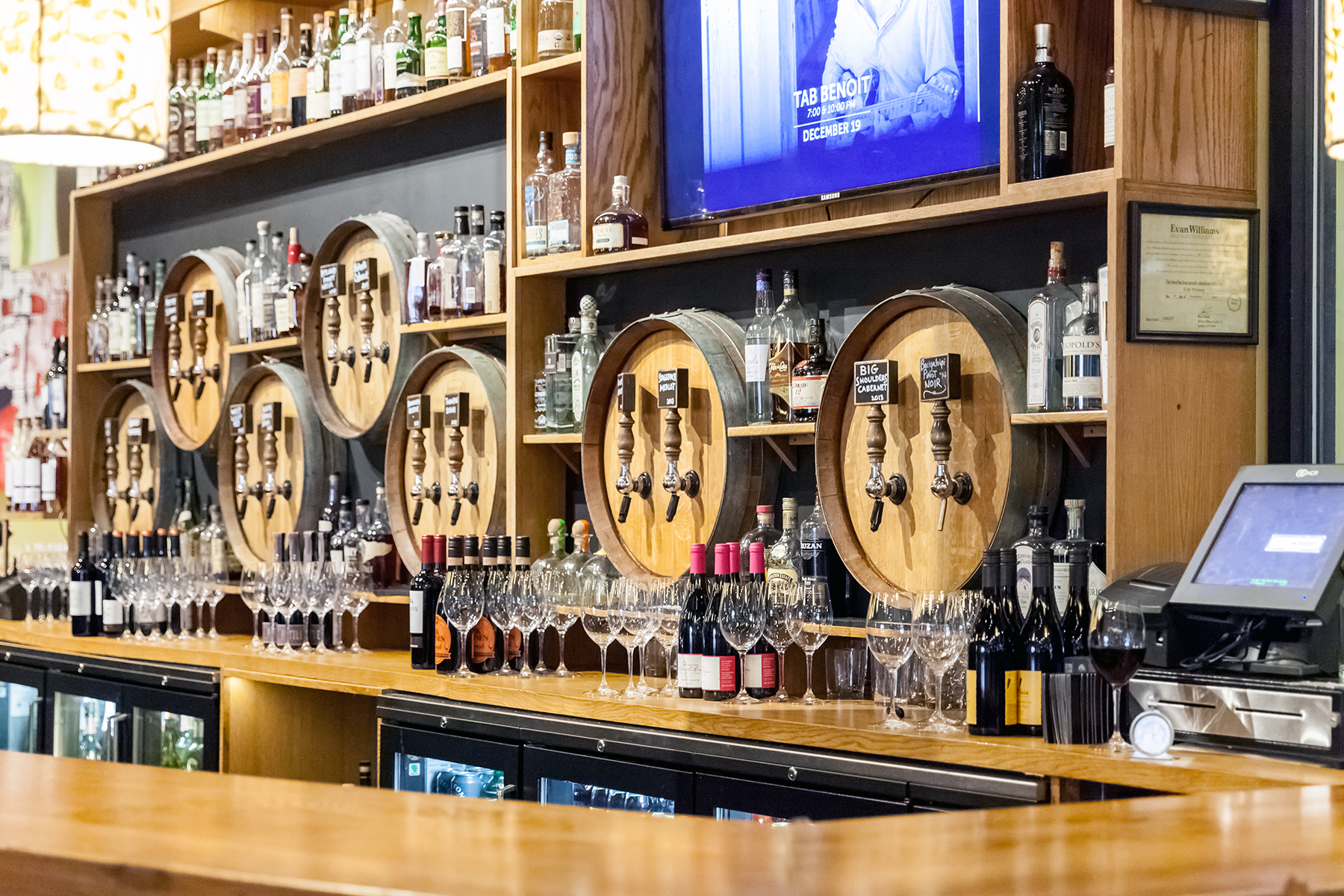 custom commercial bar designers & bar builders chicago • chicago